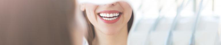 הלבנת שיניים, יישור שיניים וכל מה שיתן לך סיבה לחייך